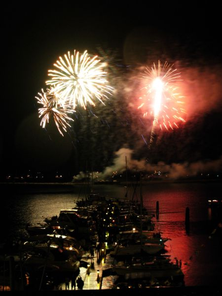 7/3/09 - Post-concert fireworks over the marina at the Lake Champlain waterfront